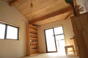 埼玉県入間市の天然木の家傾斜天井、事例写真