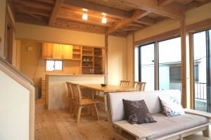 郷の家204実例写真。埼玉県の所沢で建てた無垢材を使った自然素材の木の家