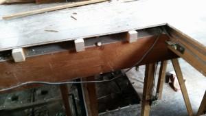 床はフローリング直貼り工法でした。