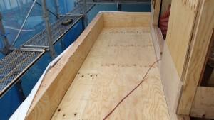 バルコニー防水下地のラー地合板2重貼り