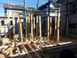 柱の建て込み