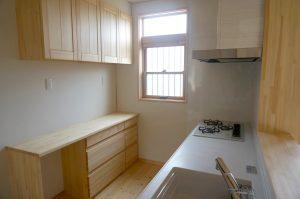 埼玉で自然素材のリノベーション住宅 事例写真キッチン