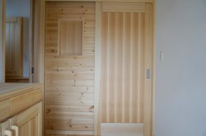 さいたま市で自然素材の家リノベーション 玄関ホール事例写真
